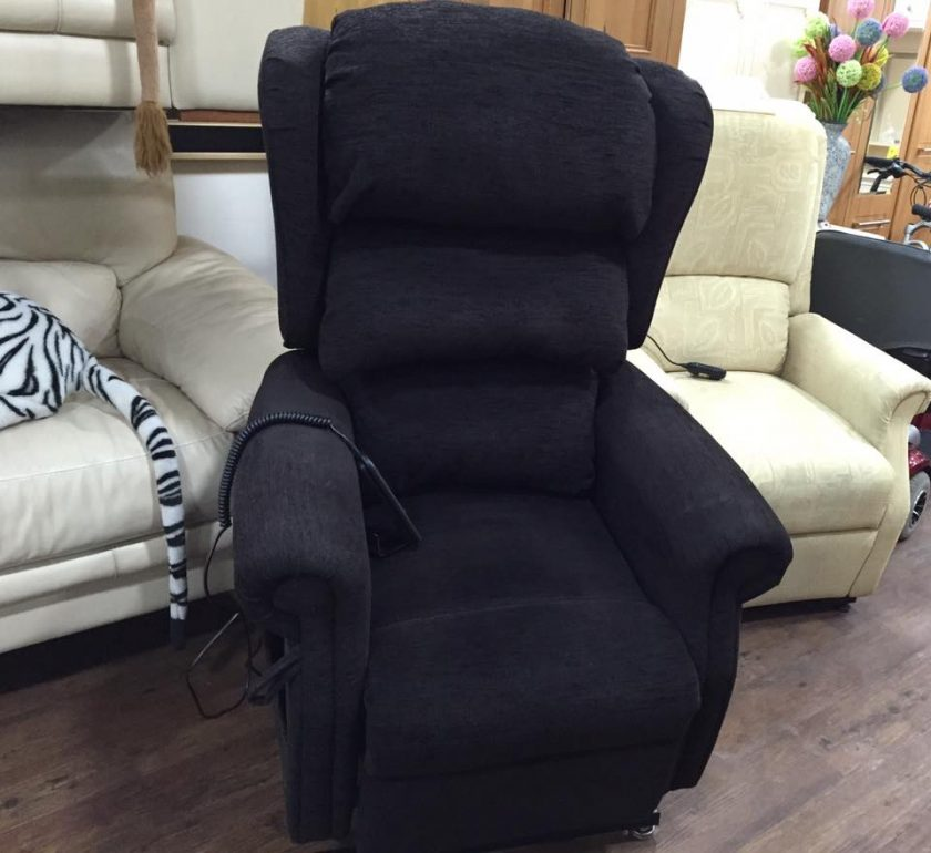 rise and recline chair in very good condition